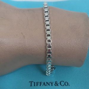 🔴Authentic Venation Tiffany & Co Bracelet 🎈🔴